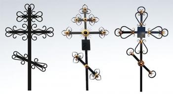 Кресты металлические.