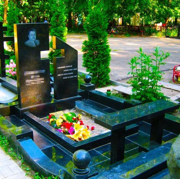 Гранитный памятник на могилу 2414