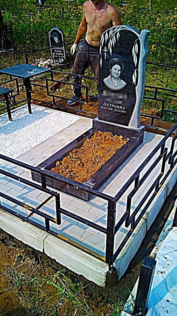 Памятник на кладбище для могил: №1234