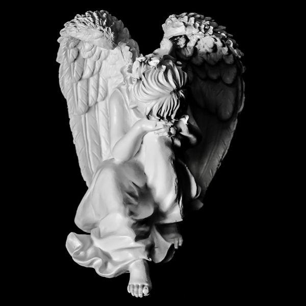 Скульптура из Литьевого мрамора №022 Скорбящая статуя.